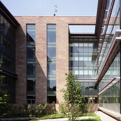 Beretta Associati Bracco HQ cover